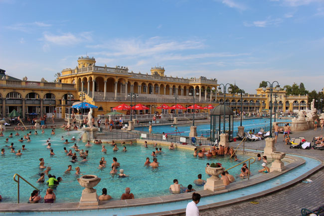 Széchényi Fürdö banhos termais budapeste coisas que amamos 2