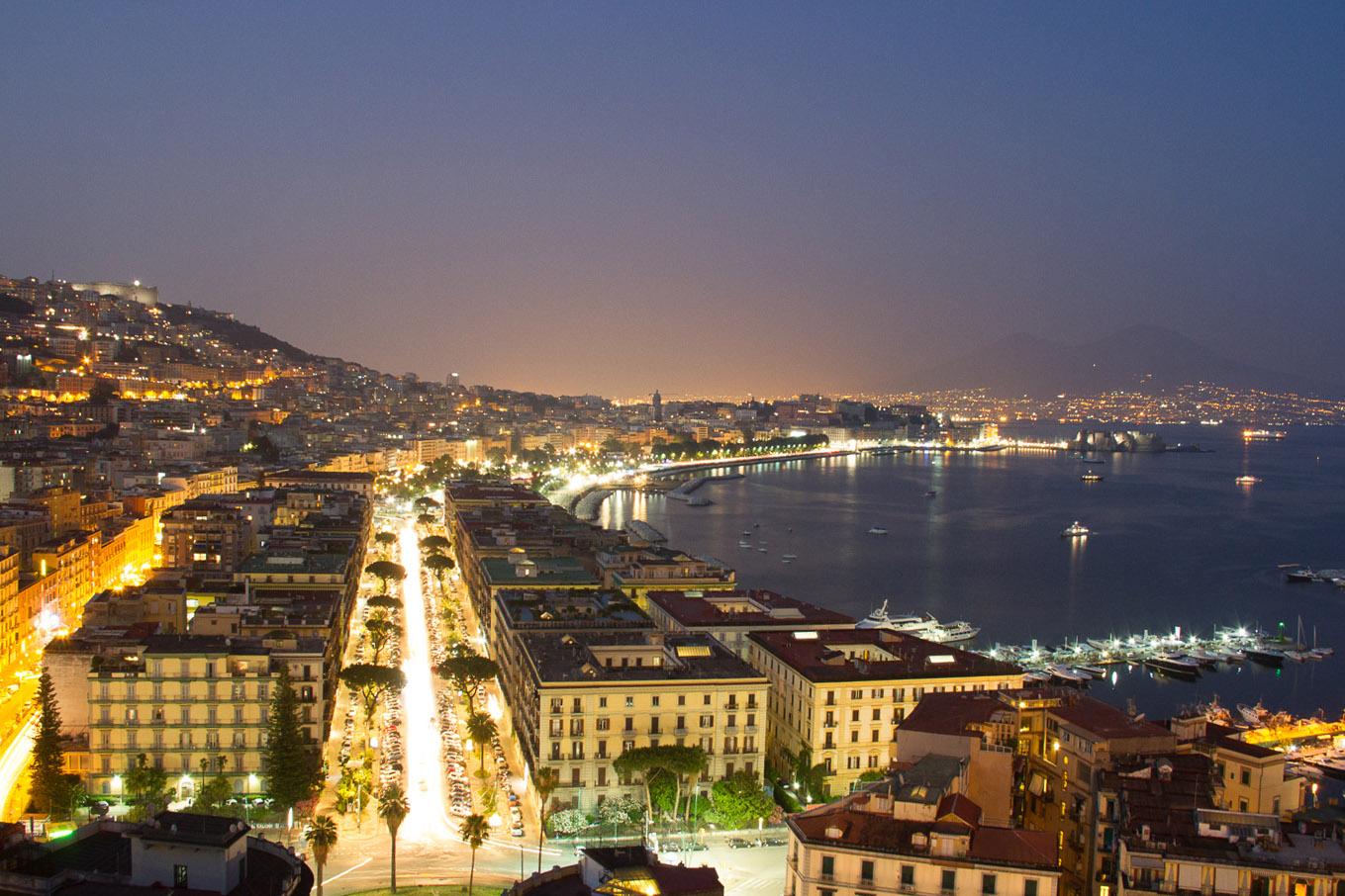 camilla-cheade-Roma e Napoli-22 foto noturna